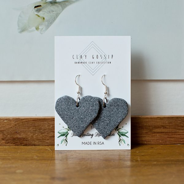 Clay Gossip Sparkling Grey with Glitter Hearts